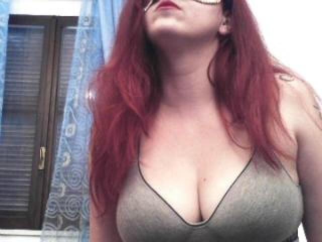 Luanasexxx Live Redhead Shaved Pussy Bombshell Webcam Model