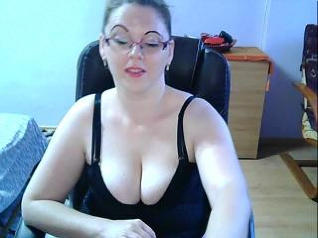 Aylinna Live Pussy Blonde Tits Shaved Pussy Wet Female Brown Eyes