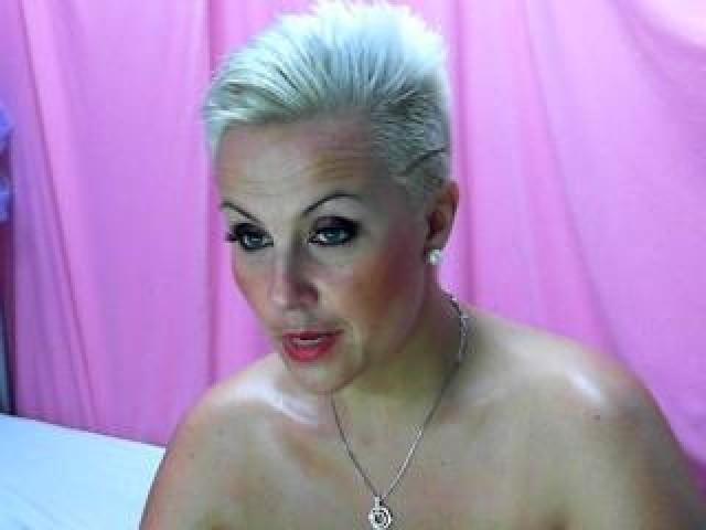 medium tits shaved pussy
