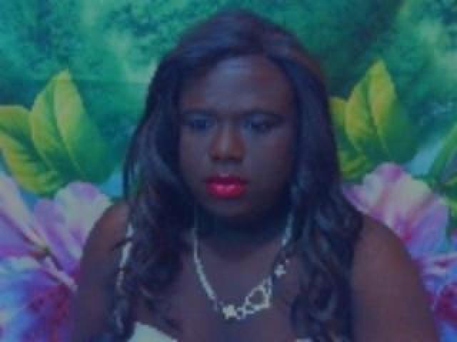 Dannats Live Medium Cock Shemale Webcam Green Eyes Pussy Ebony Model