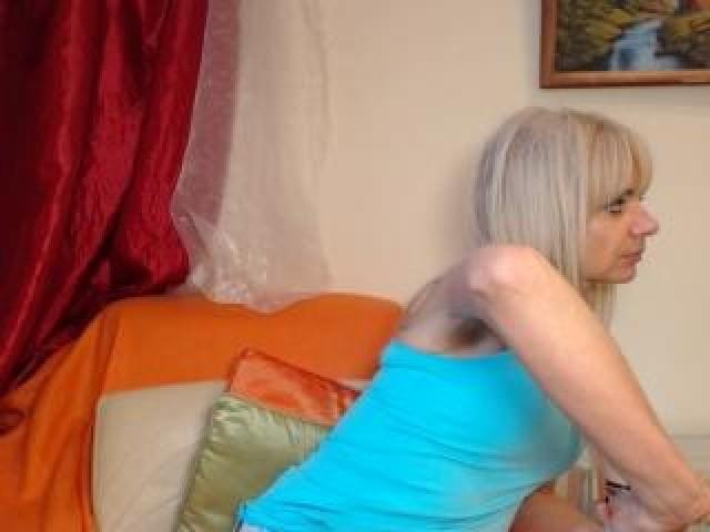 Roxannehot Live Medium Tits Female Mature Blue Eyes Blonde Hairy