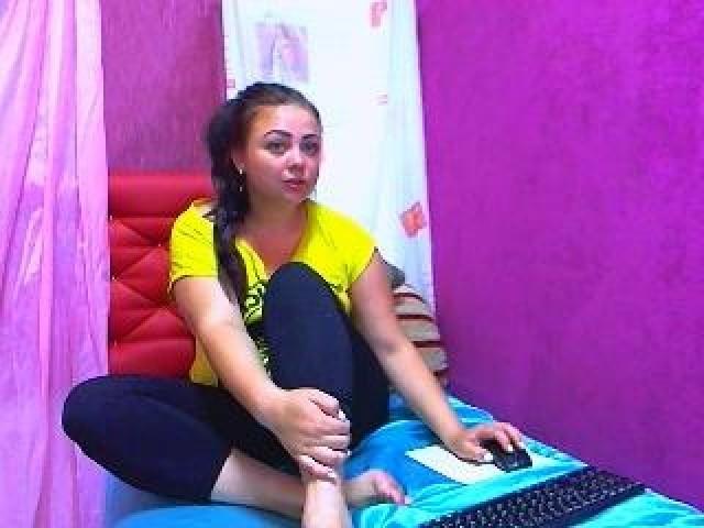 Larasky U Live Trimmed Pussy Female Toys Webcam Caucasian Tits Model