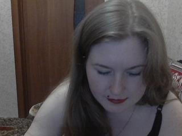 Natalia Live Babe Green Eyes Webcam Redhead Female Shaved Pussy Model