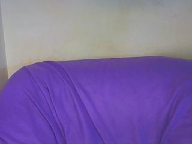 Emma Live Pussy Webcam Sexy Teen Caucasian Brown Eyes Brunette Hot