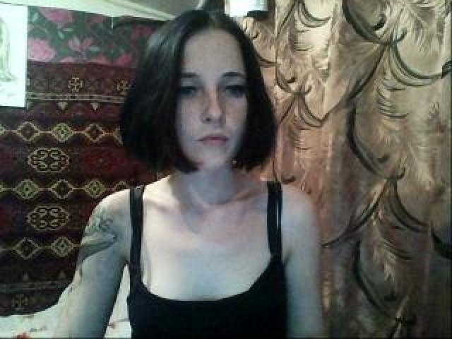 Soli Live Shaved Pussy Teen Tits Brunette Blue Eyes Model Webcam