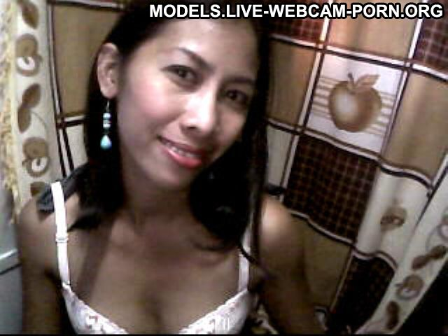 Hot_puki Korean Small Tits Age 22 To 29 Ethnic Webcam Model