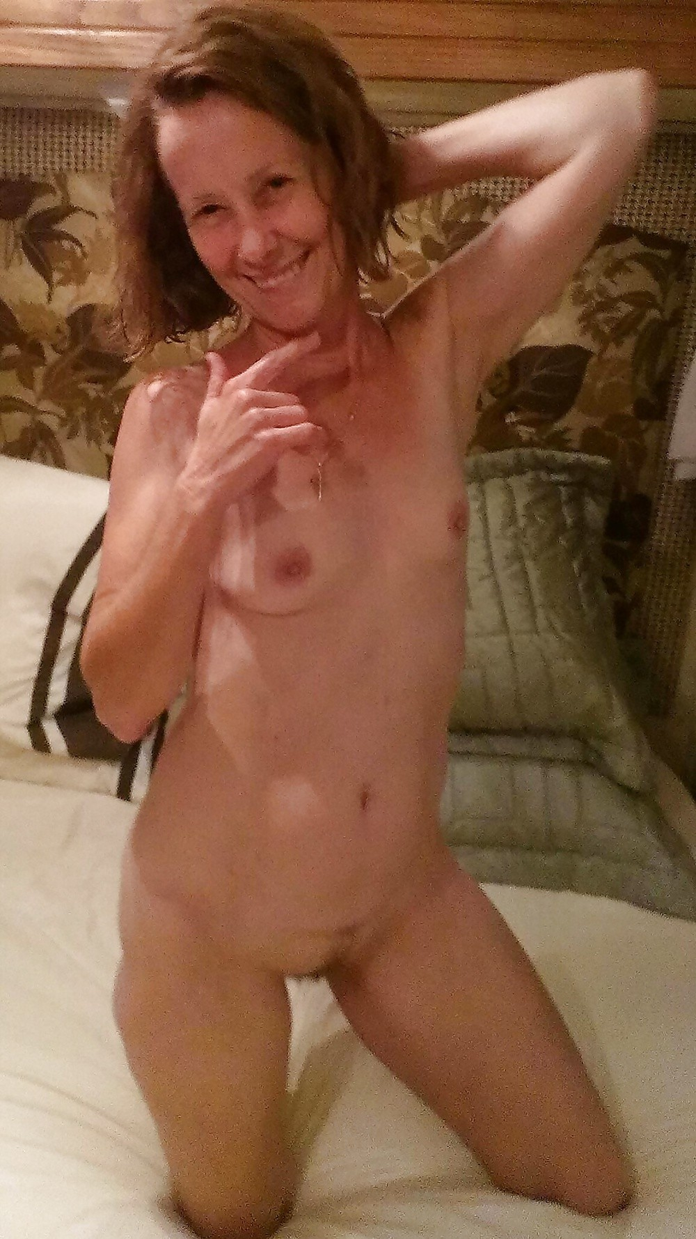 Hot live webcam show from shygirl with bigtoy 3