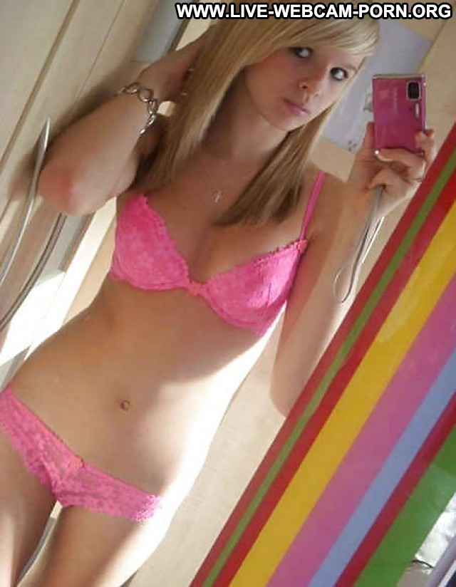 Cinthia Private Pictures Sexy Hot Teen Babe Amateur Webcam