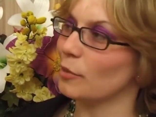 Maris Video Mature Blonde Movie French Bed 3d Webcam Hot Amateur