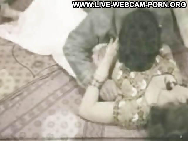 Rosina Video Softcore Indian Oman Tits Hot Webcam Bed Movie